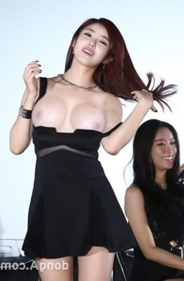 Hyosung New Kfapfakes21 263x400 - Korean singer Hyosung Nude Porn Sex Fake